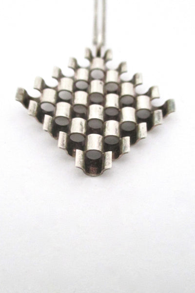 Elis Kauppi 'wave grid' pendant necklace