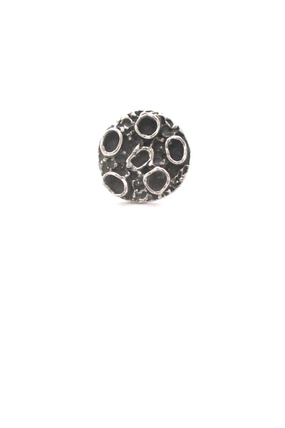 detail Robert Larin Canada vintage brutalist pewter signed craters ring 1970s design jewelry