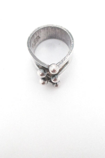 detail Anna Greta Eker for Plus Designs Norway vintage Scandinavian modernist Jester ring