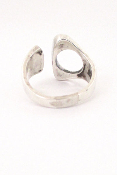 N E From modernist open ring