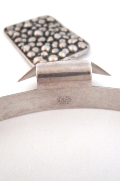 N E From 'pebbles' Modernist silver neck piece