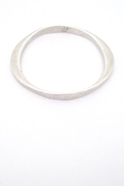 Tone Vigeland hammered silver bangle bracelet