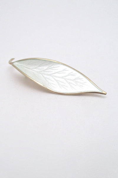 David-Andersen white enamel leaf brooch - Willy Winnaess