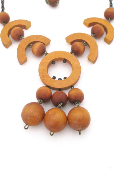 detail aarikka Finland large yellow dyed wood Scandinavian Modern kinetic necklace