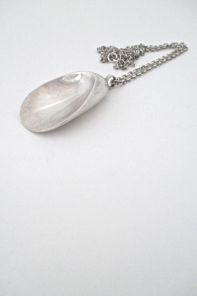 Georg Jensen shell necklace #328 by Nanna Ditzel