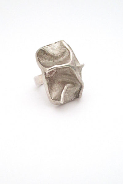 detail Matti Hyvarinen for Sirokoru Finland vintage modernist Scandinavian silver massive sculptural ring 1973