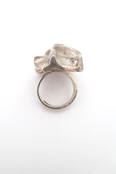 Matti Hyvarinen deeply sculptural large silver ring - 1973