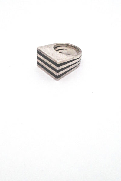 detail Puig Doria Spain vintage Modernist silver and ebony heavy striped ring