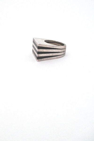 profile Puig Doria Spain vintage Modernist silver and ebony heavy striped ring