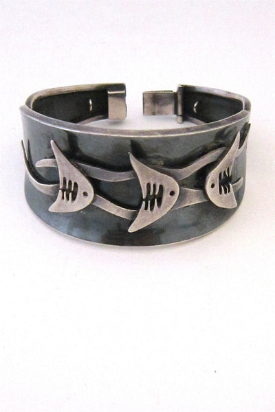 Ledesma design fish bracelet