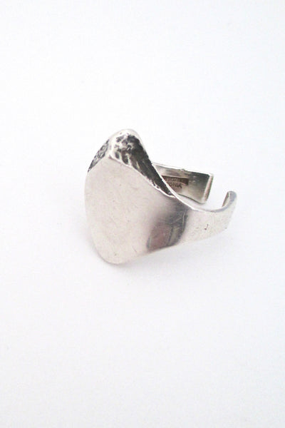 detail Poul Havgaard for Lapponia Finland large brutalist silver sculptural ring 1976