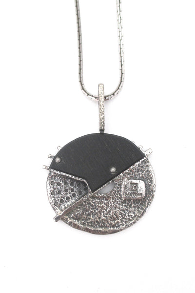 Jean-Claude Darveau mixed media 'broken circle' necklace