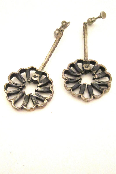 Guy Vidal open daisy earrings