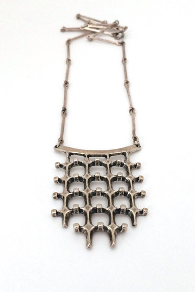 Uni-David-Andersen-Norway-vintage-Modernist-silver-Troll-series-necklace-Marianne-Berg