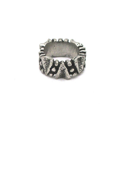 detail Robert Larin Canada vintage brutalist pewter dots ring