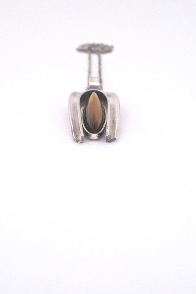 detail Elis Kauppi Kupittaan Kulta Finland vintage silver and shaped tiger eye pendant necklace 1974