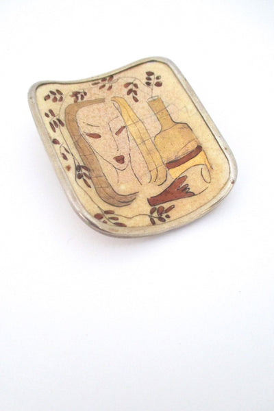 Koruteollisuus Tillander Finland 1946 hand painted ceramic woman brooch