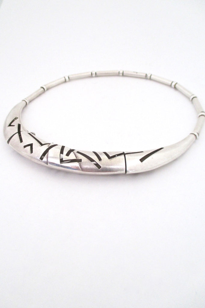 profile Lapponia Finland vintage heavy silver hinged choker necklace post modern design