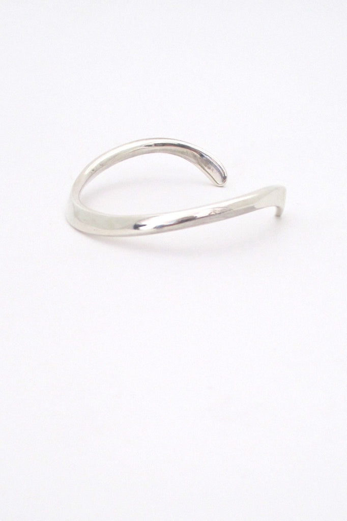 profile Ove Wendt for Age Fausing Denmark vintage heavy silver curved Scandinavian Modern bracelet