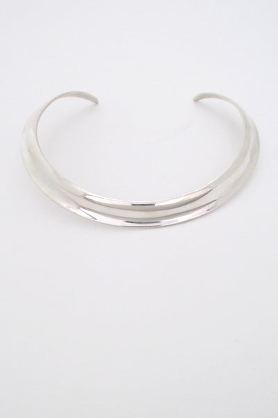Ove Wendt size for Åge Fausing, Denmark vintage silver wide shaped Scandinavian Modern neck ring