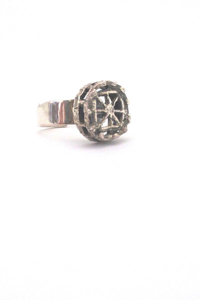 Pentti Sarpaneva for Turun Hopea Finland vintage sterling silver Pitsi ring
