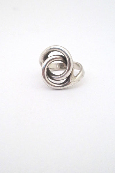 Plus Studios Norway Design vintage silver Scandinavian Modern loops conjoined circles ring