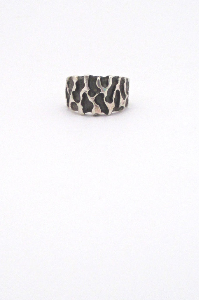 Robert Larin vintage brutalist textured sterling silver tapered band ring