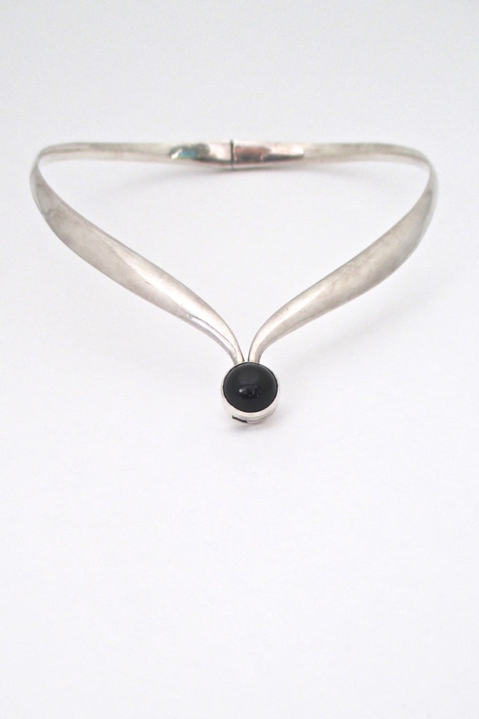 Sigi Pineda Taxco Mexico vintage heavy silver onyx hinged choker necklace