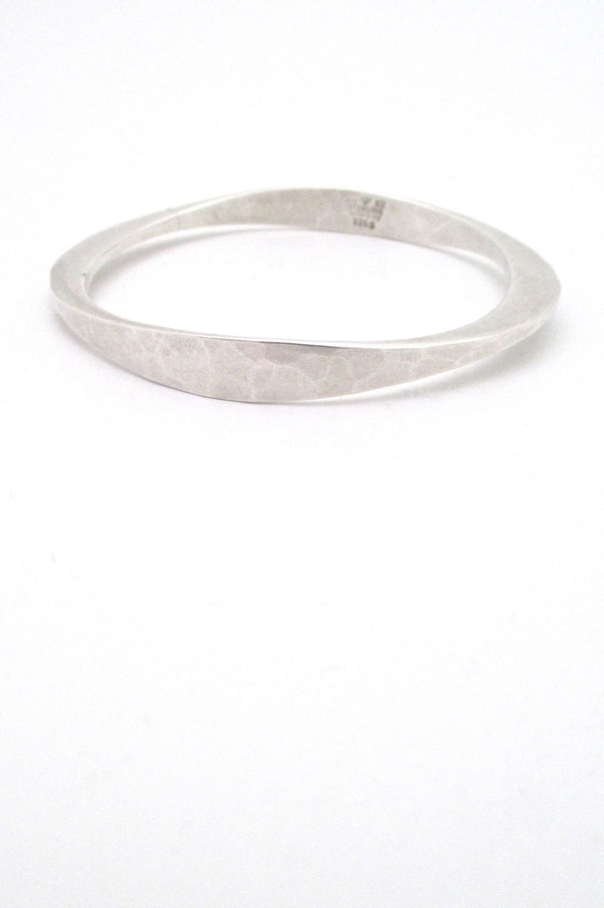 Tone Vigeland Plus Studios Norway Design vintage hammered silver bangle bracelet