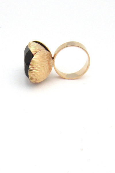 Elis Kauppi extra large gold cocktail ring