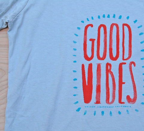 Sale Good Vibes t-shirt : Dove