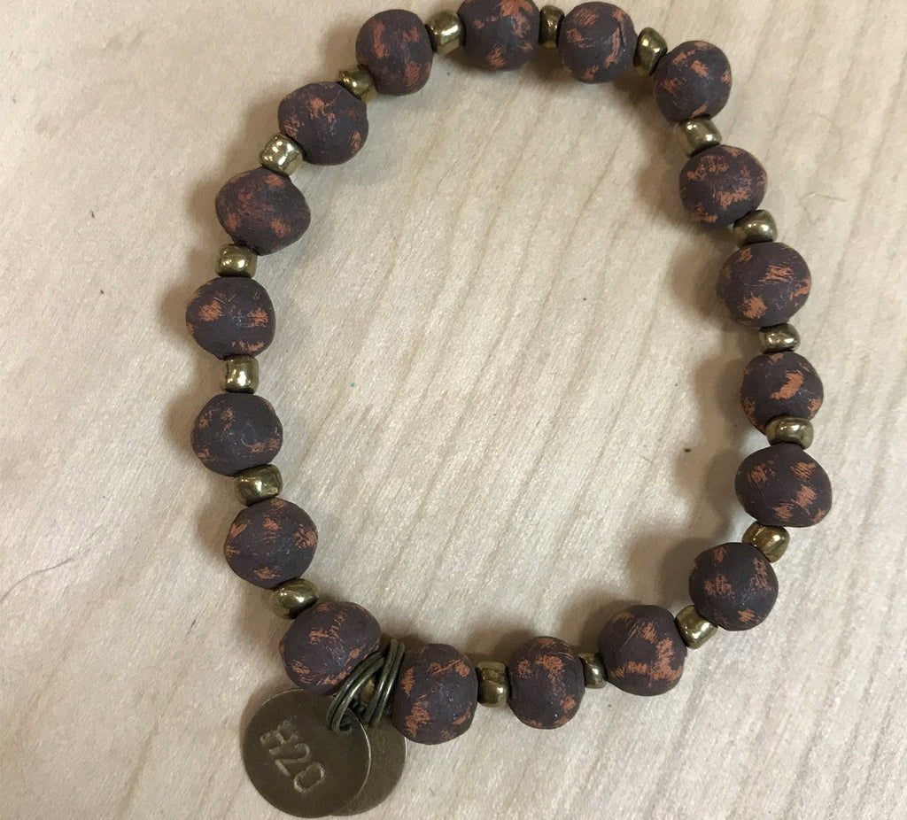Simbi clay bead bracelet : walnut