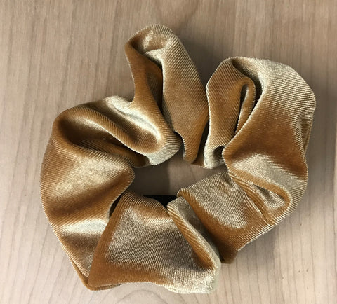 velvet scrunchie: gold