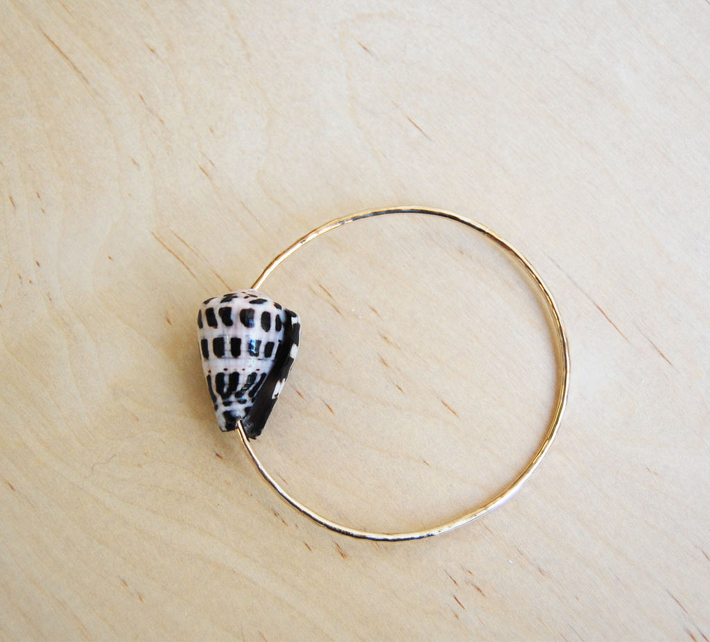 Bella Beach Gold Bangle : Zebra Shell