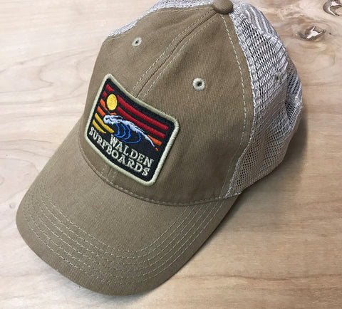 Sunrise wave trucker : tan