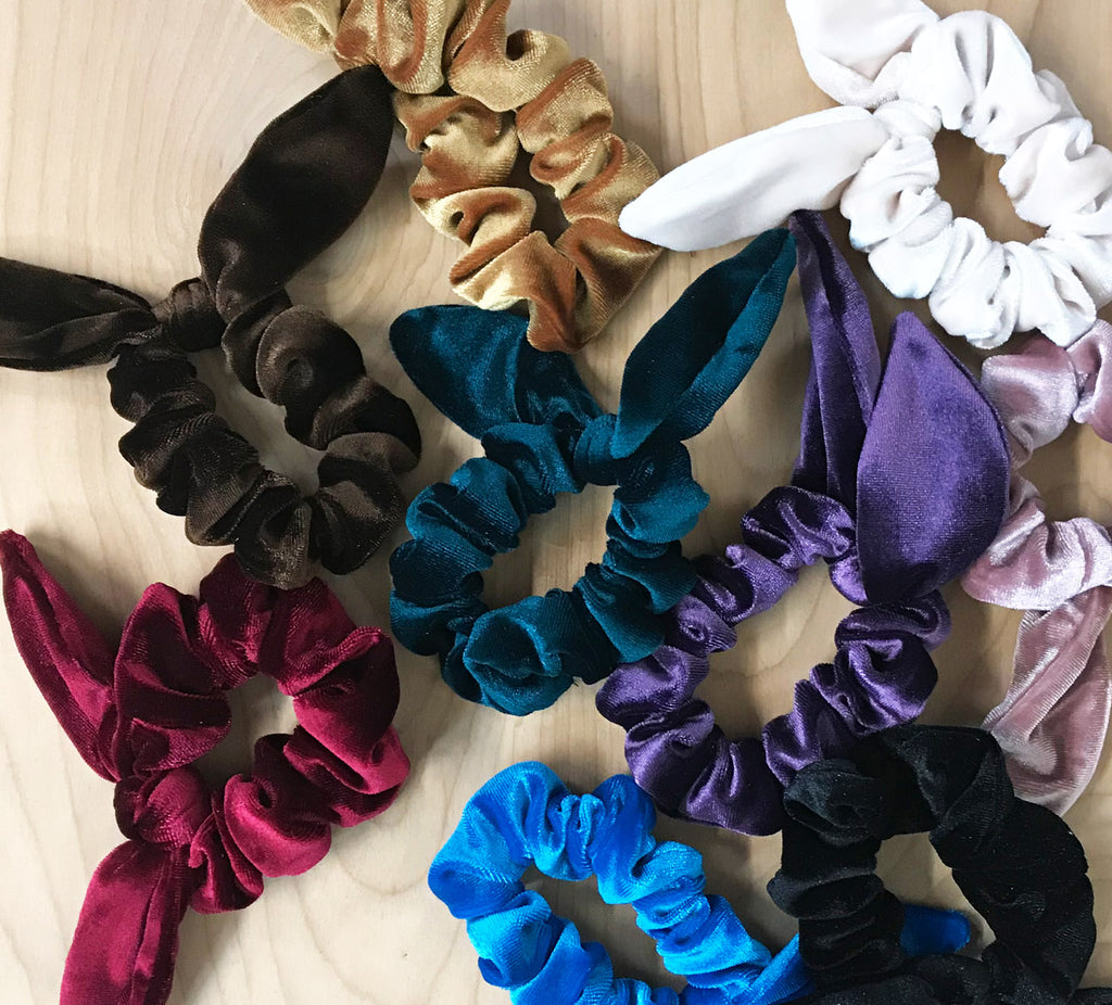 velvet bow scrunchie: purple