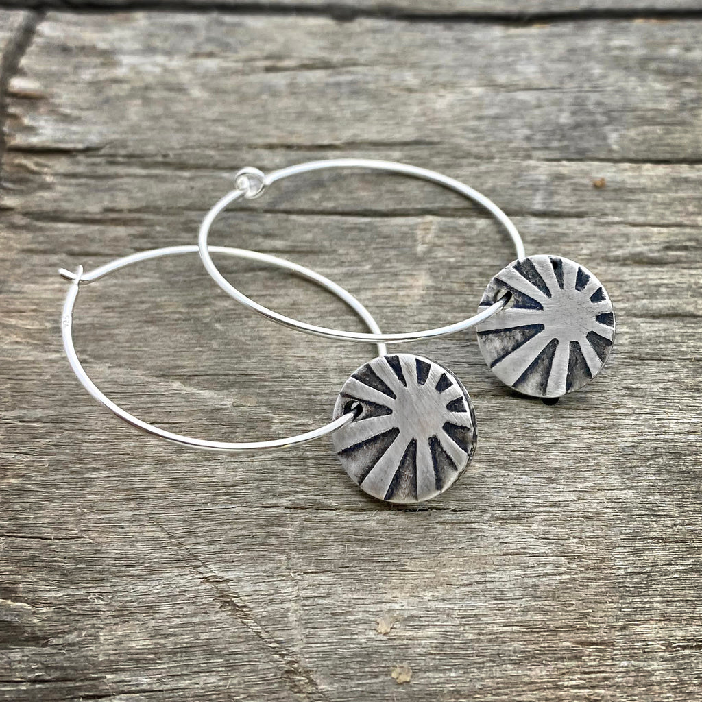 Mini Rays Hoop Earrings, Matte Silver, daphne lorna