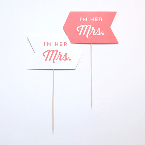 Couples Photo Prop - I'm his Mrs / I'm her Mr - Script