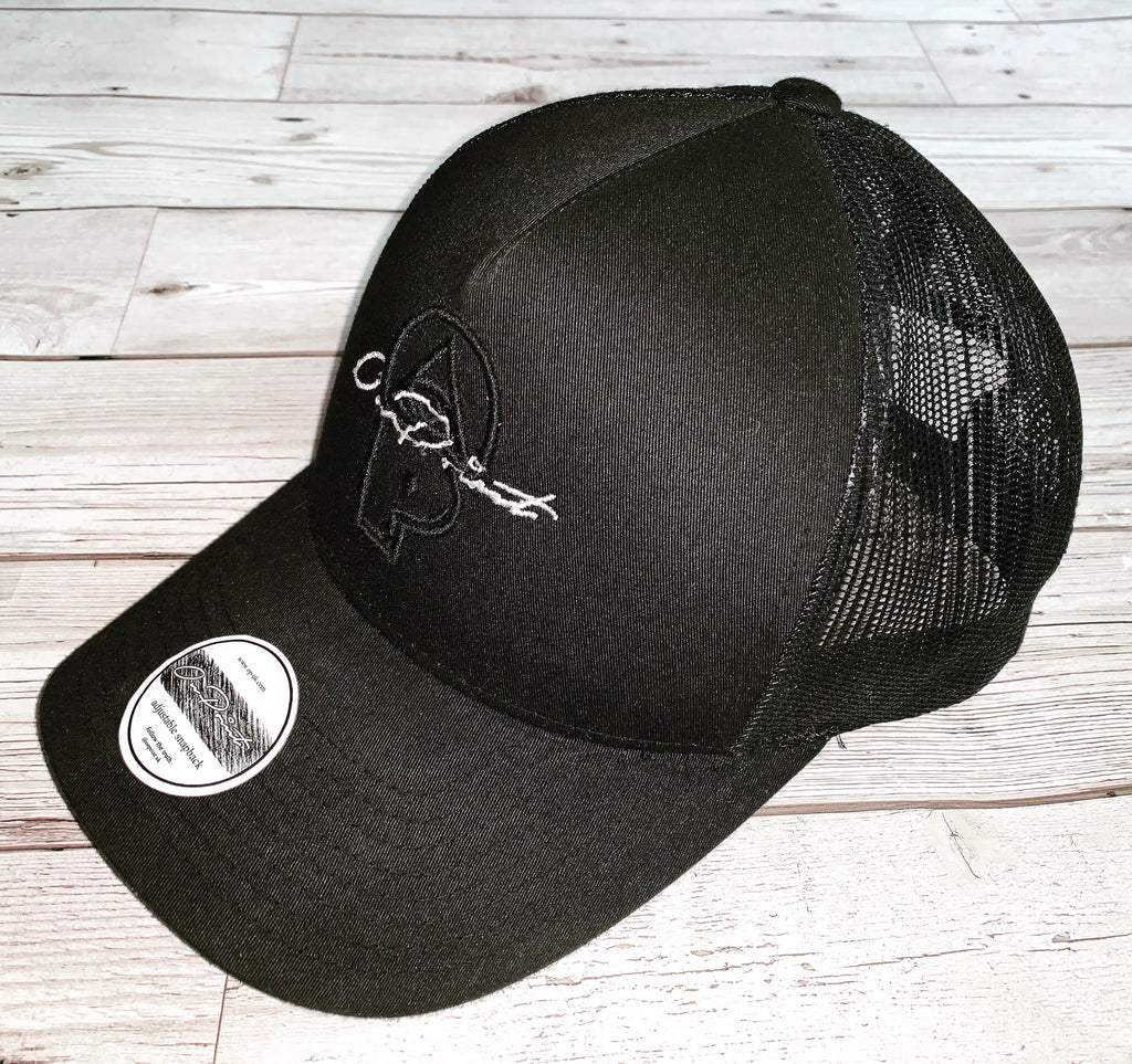 3D ONPOINT® SIGNATURE Mesh Trucker Cap - Black & White