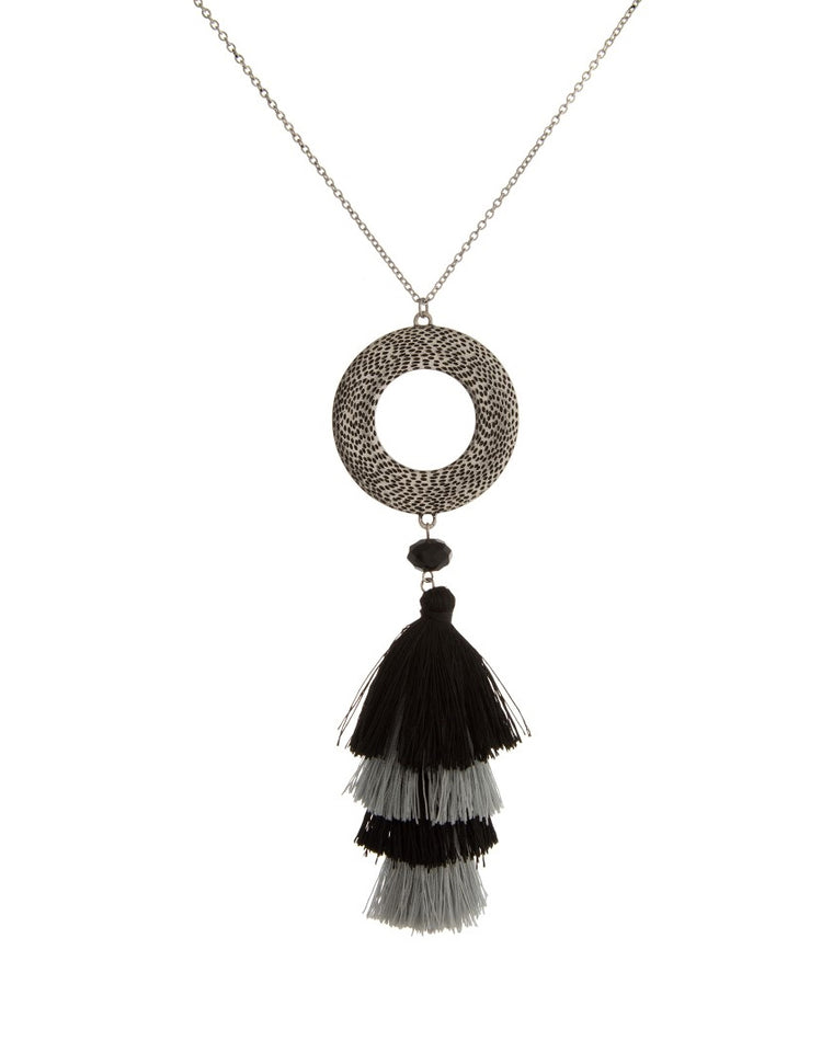 Circular Tassel Pendant Necklace