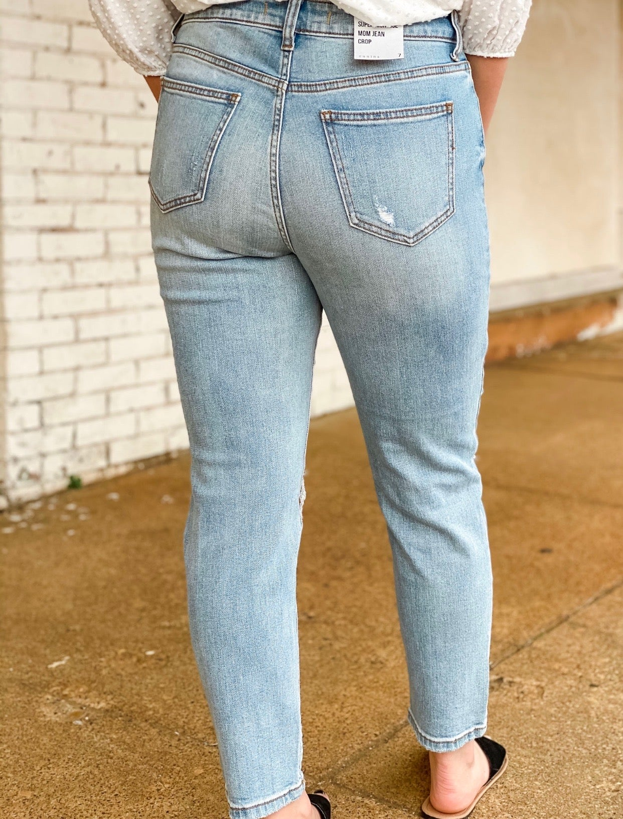 TOBI JEANS - aster & elm eunina high rise cropped mom jeans