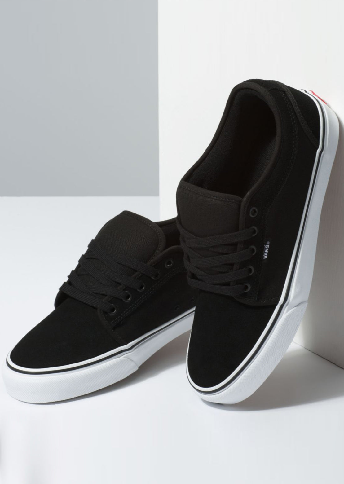 Vans Men's Suede Chukka Low Shoes Black/True White