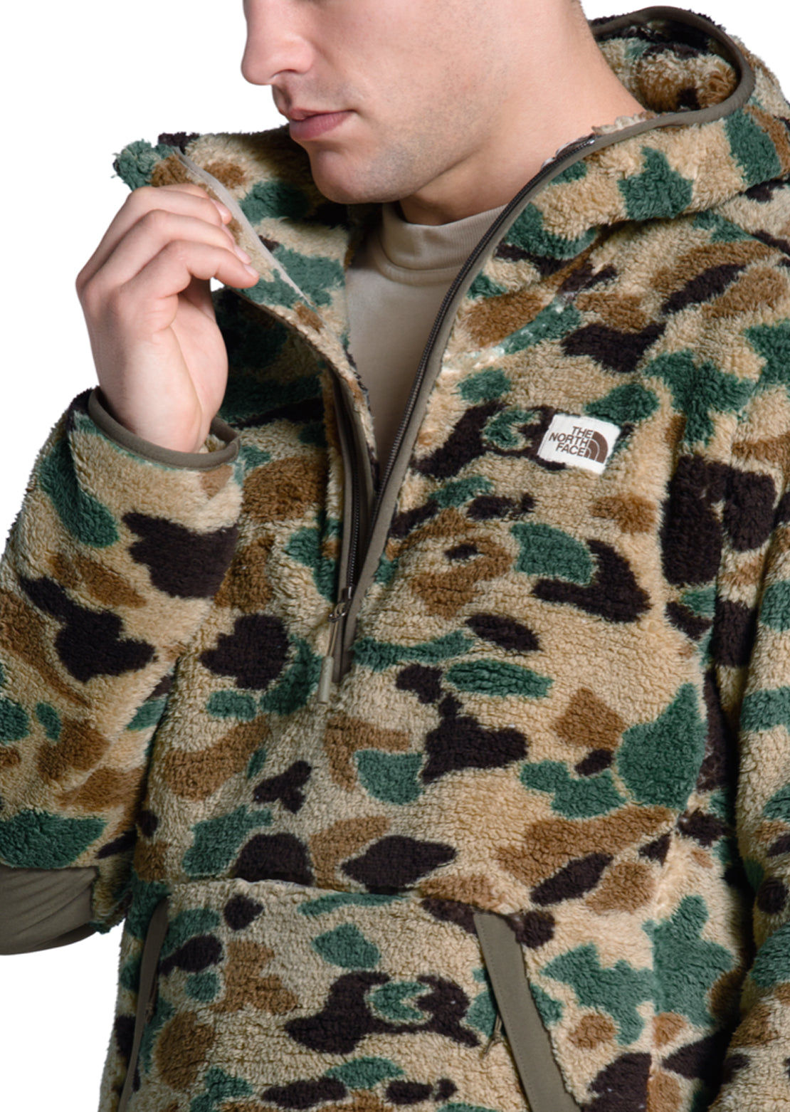 The North Face Men's Campshire Pullover Hoodie Hawthorne Khaki Duck Camo Print
