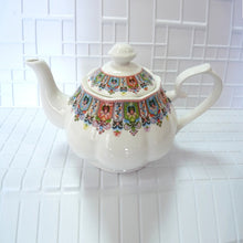 Load image into Gallery viewer, Babuschka Teapot - commoditeas