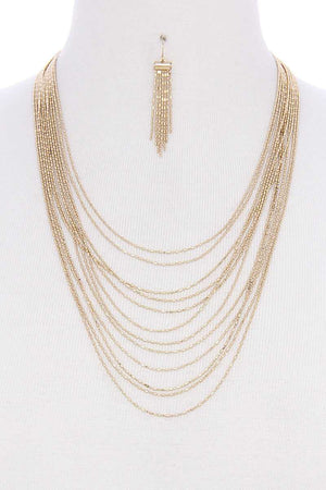 Multi layer metal necklace