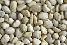 Laden Sie das Bild in den Galerie-Viewer, Polished Pebbles Bianco Kies