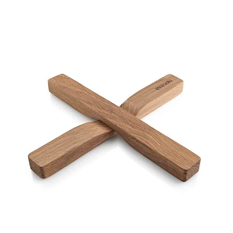oak trivet from eva solo.