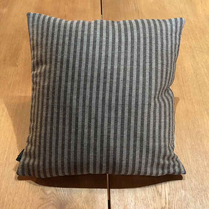 Twiggy Cushion / Stripe