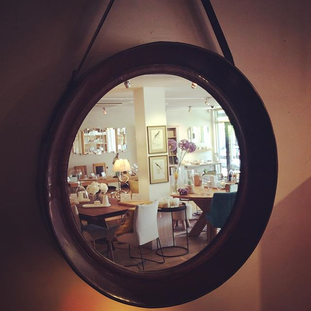 #blacksofsopwell #shopselfie #mirror #bespokefurniture #solidwoodfurniture #inspiringinteriors #radlett #battlersgreenfarm