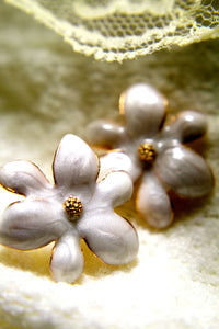 Eternal Flower Earring